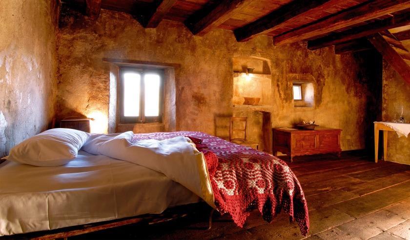 sextantio-albergo-diffuso-bedroom-M-03-r
